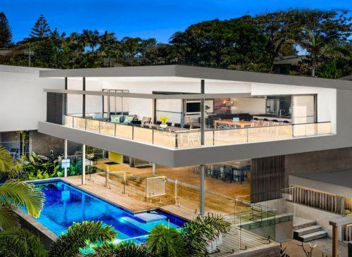 Blueys Beach House - 4 Bedroom | Holiday Homes Noosa