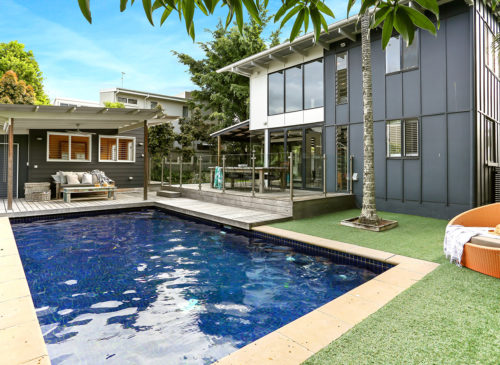 Blue Moon | Holiday Homes Noosa