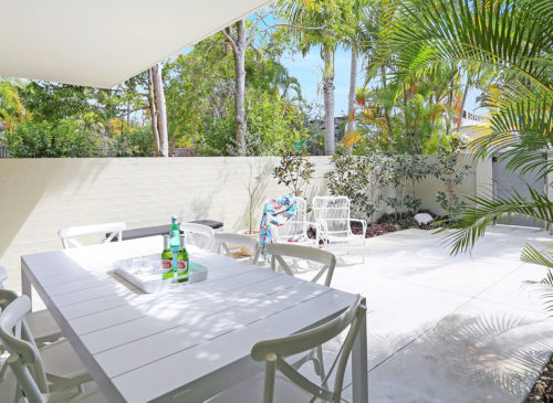 Back To The Moon | Holiday Homes Noosa