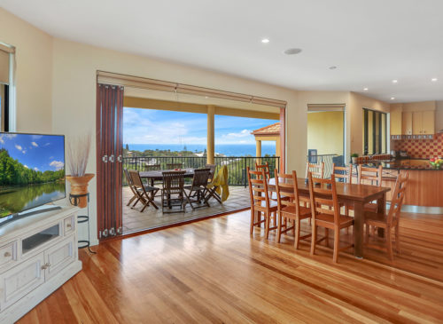 Captains Retreat | Holiday Homes Noosa